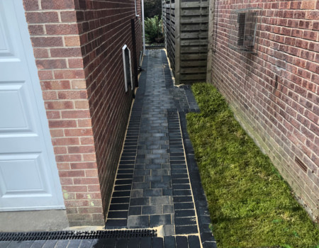 block paved path Tadworth